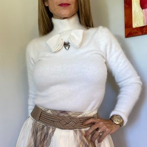 Angora Viktor & Rolf + H&M sweater - bow, locket